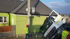 V ulici Ejpovická v Kyšicích došlo dnes po 14. hodině k nehodě nákladního vozidla, které narazilo přímo do rodinného domu. Šestačtyřicetiletý řidič jel od Ejpovic do Kyšic, když ze zatím nezjištěný…