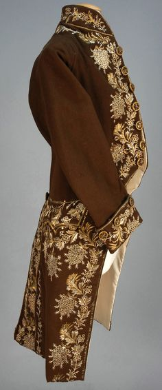 GENTS FRENCH METALLIC EMBROIDERED WOOL COAT, 1774 - 1792.