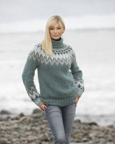 "2035-1b ""Kathrine""-genser Petrol Vikings, Icelandic Sweaters, Baby Alpaca, Sweater Fashion, Dream Life, Knitting Patterns, Turtle Neck, Wool, How To Wear"