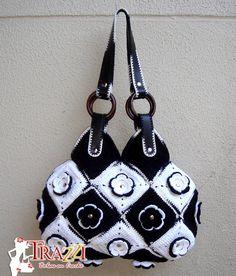 Crochet handbag: Bolsa Fiore Preta e Branca @  Catiele Crochê: