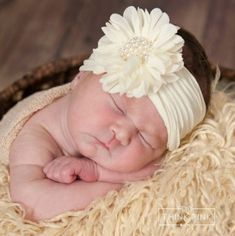 Newborn Girl Headbands, Diy Headband, Baby Bows, Pink Bows, Diy Hair Bows, Newborn Baby Photography, Diy Hair Accessories, Fabric Flowers, Diy Flowers