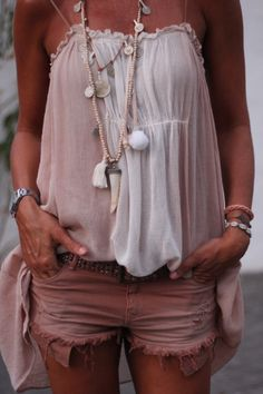 I don't wear shorts... More of a skirt kinda girl. But I love the top and accessories <3