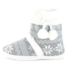 Chaussons boots motif jacquard Femme - Kiabi - 10,00€ Slippers, Slip On, Sneakers, Inspiration, Fashion, Outerwear Women, Men, Woman, Tennis