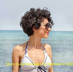 If you feel like your curly blonde locks are heave enough then why don't you go the chop? A cropped curly hairdo can look very stylish and thanks to its limited length and manageability, it is completely practical. Curly Pixie Cuts, Haircuts For Curly Hair, Short Hairstyles For Women, Curly Hair Styles, Short Hair For Curly Hair, Pretty Hairstyles, 4b Hair, 1950s Hairstyles, Hairstyles Videos