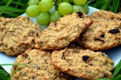 These biscuits are simple to make, contain no flour, are sweetened with just bananas, take a few mins to make and most importantly taste delicious.