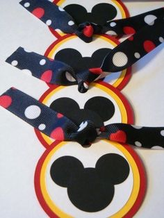 For a Disney Scrapbook album. Mickey Mouse Crafts, Minnie Mouse Party, Mouse Parties, Disney Cards, Disney Diy, Disney Cruise, Disneyland, Mickey Minnie Mouse, Disney Mickey