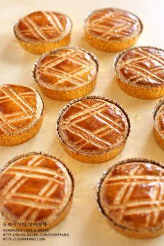 아니구요.. Apple Pie, Muffin, Baking, Breakfast, Sweet, Desserts, Recipes, Food, Kitchen