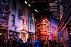 Visite des studios Harry Potter à Londres. Warner Bros Studios, Studio Harry Potter, Tours, Disney, Travel, London, Viajes, Destinations, Traveling