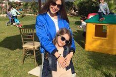 نانسي عجرم في نزهة مع صديقتها وابنتها