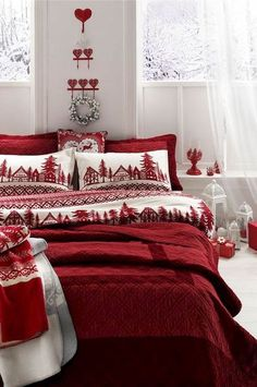 Gorgeous Christmas Bedroom Decor Ideas Bedrooms Christmas is the season of giving. A lot of your work can be done by the giving of new things. So why not go for a Christmas bedroom decor theme that . Diy Christmas Decorations Easy, Christmas Themes, Tree Decorations, Cozy Christmas, Christmas Holidays, Christmas Collage, White Christmas, Christmas Cookies, Christmas Cover
