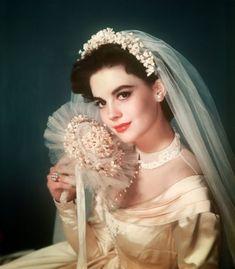 Natalie Wood: Actresses wearing wedding dress