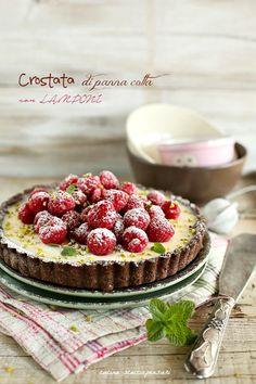 Tart panna cotta com framboesas Italian Desserts, Easy Desserts, Italian Recipes, Delicious Desserts, Dessert Recipes, Dessert Fruits Rouges, Pavlova, Panna Cotta, Torte Cake