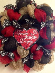 Burlap Valentines Day wreath at FairOakes Sisters booth at Ol Tin Roof… Diy Valentines Day Wreath, Homemade Valentines, Valentines Day Decorations, Valentine Day Crafts, Valentine Ideas, Fall Decorations, Wreath Crafts, Diy Wreath, Wreath Making