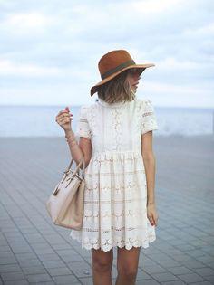 Pinterest   43 looks avec une robe blanche à copier cet été ad8ff60d13a