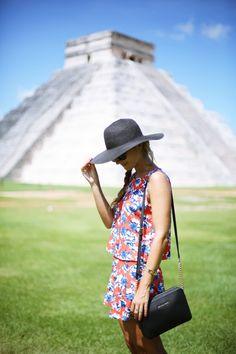 Y si hemos esperado un tiempo...los ecos del pasado no deben de influir en el presente ,de lo contrario ,recuperalo , y eso no es por mi ♥ Mexico Vacation, Vacation Style, Mexico Travel, Mexico Pictures, Beach Pictures, Photography Essentials, Travel Photography, Poses, Riviera Maya