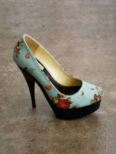 Love these to bad they only have them in a size 8. $44.00