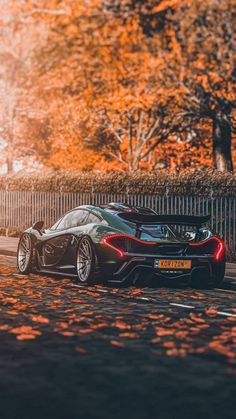 Mclaren Cars, Mclaren P1, Exotic Sports Cars, Exotic Cars, Iphone Wallpaper Sports, Mercedes Wallpaper, Top Luxury Cars, Super Sport Cars, Hot Rides