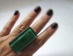 MAXI ANEL vidro  verde bandeira  5 x 2,5 cm    MAIS ANÉIS DE VIDRO EM:  http://www.elo7.com.br/glassbijoux/  .  . R$27,00