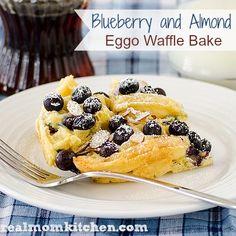 Blueberry and Almond Eggo Waffle Bake - Real Mom Kitchen Eggo Waffles, Breakfast Waffles, Best Breakfast, Breakfast Recipes, Breakfast Ideas, Pancakes, Yummy Snacks, Yummy Food, Yummy Recipes