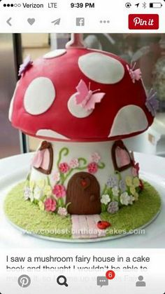 Cake ideas 564287028284541058 - Homemade Mushroom Cake: This Mushroom cake was for my daughters first birthday – a real labor of love! Its a chocolate cake (with a box of dark chocolate Lindt balls mixed in Source by Fairy Birthday Cake, First Birthday Cakes, Birthday Cake Girls, Bolo Laura, Fairy House Cake, Toadstool Cake, Mushroom Cake, Mushroom House, Decoration Patisserie