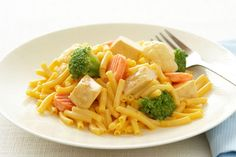 We know you like chicken, so we've prepared this cheesy recipe with macaroni and vegetables for your enjoyment. The best part? It's ready in 25 minutes.