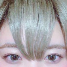 2016/11/08 20:31:17 nana_gt7 . . . 前髪伸びた〜 休み時間に前髪1㍉チョキチョキ✂︎ とりあえず襟足ちょっと切りたい💭 . . . #cut#hair#カット#✂️ #beauty#美容#美容学生#omula #チョキチョキ#前髪#色落ち金髪 #instagood#l4l#followme  #美容