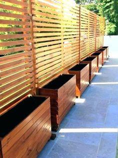 68 Simple DIY Backyard Privacy Fence Design Ideas - Page 58 of 66 Cheap Privacy Fence, Privacy Fence Landscaping, Privacy Fence Designs, Outdoor Privacy, Privacy Walls, Diy Fence, Backyard Fences, Backyard Landscaping, Pergola Patio