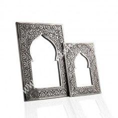 Espejo de Alpaca - Artesanía Marroquí Para más info, puedes pulsar el siguiente link. http://www.bazaralandalus.com/decoracion/901-espejo-de-alpaca-arco-arabe-artesania-marroqui.html