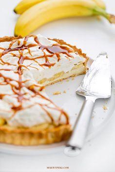 Banana, Custard and Salted Caramel Tart Banana Caramel Pie, Salted Caramel Tart, Shortcrust Pastry, Sweet Tarts, Food Cakes, Cake Cookies, No Bake Cake, Food Photo, Cake Recipes