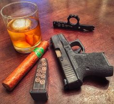 Time for a little relaxation. Any bourbon drinkers out there? What's your preferred bourbon?  #WiseMen #2a #edc #edcgear #everydaycarry #gunlife #pocketdump #igmilitia #pewpew #glock #etsmags #wiseguy #cigars #bourbon #pockettools #multitool #guns #dtom #survival #prepared #gunsofig #gunaddict #igshooters #craftbeer