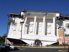 Wonderworks (Upside down building) - Pigeon Forge, TN, United States | Incredible Pictures
