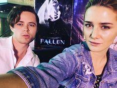 Addison y Harrison en estreno en Manila