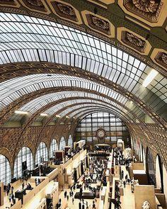 "Nastasia Michailou 🌗 on Instagram: ""Plein les yeux 🤩"" Opera House, France, Building, Pictures, Travel, Instagram, Eyes, Photos, Viajes"