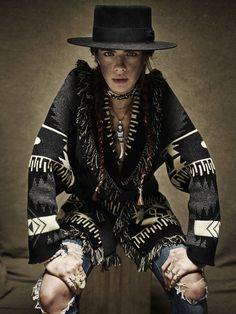 Winter ideas for boho and western style look, Bohemian hat styling Cut And Style, Cool Style, My Style, Gypsy Style, Vogue Paris, Furla, Navajo, Gilet Long, Wild Style