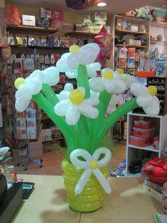 vaso di fiori con palloncini modellanti
