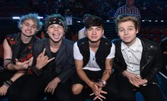 5 Seconds of Summer Creep Fans on Twitter? Plus 5SOS Dishes on Girlfriends, Selfies and More | Cambio
