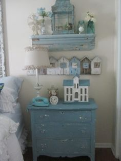 Junk Chic Cottage...ohh...such lovely colors and creative wall decor!  Lots of cute things to see...