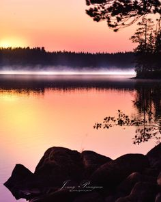 Ranua is one of my favourites during Finnish summer 🤗🌾🌺 🌾🌺 Many clear lakes, great fishing waters and… Lapland Finland, Clear Lake, Lakes, Fishing, Magic, Mountains, Sunset, Travel, Outdoor