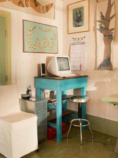 Design a Stand-Up Desk for Your Home Office or Studio >> http://blog.diynetwork.com/maderemade/2014/05/27/design-a-stand-up-desk-for-your-home-office-or-studio/?soc=pinterest