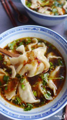 Beef dumplings in hot & sour soup (酸汤水饺) – Red House Spice Asian Dumpling Recipe, Chinese Dumpling Soup, Chinese Chicken Dumplings, Gyoza Dumplings Recipe, Chicken Gyoza, Asian Recipes, Healthy Recipes, Chinese Recipes, Healthy Japanese Recipes