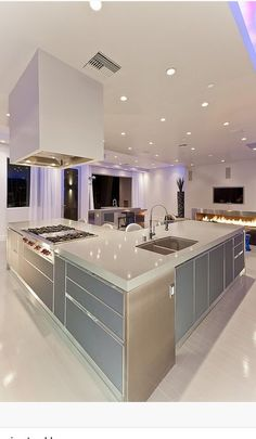 Million dollar kitchen on pinterest million dollar rooms for Million dollar kitchen designs
