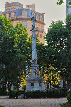 .  .. Plaza 25 de Mayo, Rosario, Argentina.