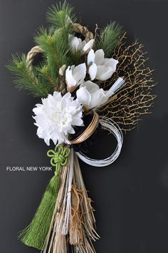 Beautiful Christmas Decorations, New Years Decorations, Flower Decorations, Clay Flowers, Dried Flowers, Flower Frame, Flower Art, Design Crafts, Decor Crafts