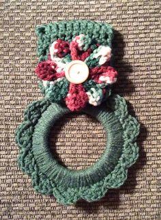 Kitchen towel hanger crochet towel hanger by Yarnhotoffthehook Crochet Towel Holders, Crochet Dish Towels, Crochet Towel Topper, Crochet Kitchen Towels, Crochet Potholders, Crochet Granny, Holiday Crochet, Crochet Home, Crochet Gifts