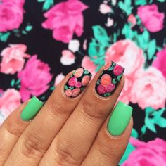 Wouldn't it be awesome if your nails matched your dress? We totes love BFF @Mireya Serna's #nailart inspired by this CR floral dress! Happy #ManiMonday!