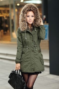 Green Womens Winter Coats Faux Fur Lining Parka....would like to find a good parka to fit my body shape