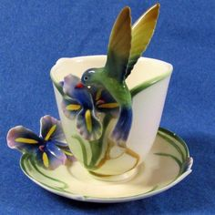 GORGEOUS FRANZ PORCELAIN LONG TAILED HUMMINGBIRD TEACUP SAUCER SET #FZ00129