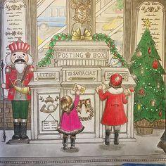 #coloring #coloriage #coloringbook #eriy #romanticcountry #prismacolorpremier #塗り絵 #大人の塗り絵 #ロマンティックカントリー #コロリアージュ #プリズマカラー  It's only 6 months till Christmas 😂😂 .  季節完全無視のクリスマスページ出来ました。 上のほうのガラスに通りが映ってる感じにしたかったんですが、 完全にオカシイので雰囲気だけ汲んでいただければ...😅💧 どんよりと雲が立ち込めて、今にも雪が降りそうなあの冷たい空気が私は大好きなんです❄️ 早く冬にならないかな〜(だから、まだ6月だって😂😂) 郵便受けにちょこんと乗ってる鳥さんの帽子に、日本郵便のマークがあるのにちょっと戸惑いました 笑。