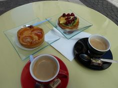 Coffee and a treat in Amboise