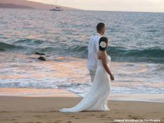 Po'olenalena Beach wedding
